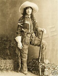 COWGIRL-WOMAN-INDIAN-SCOUT-COLT-WESTERN-CANVAS-PHOTO