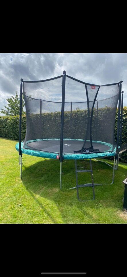 Berg trampolin 380