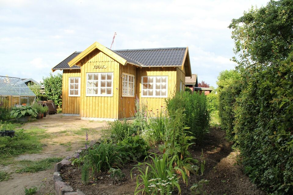 Kolonihave med nybygget hus sælges