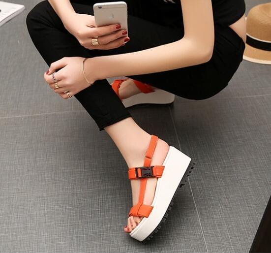 Elegantes Sandalias de mujer de cuña 5 cm con cinturón color naranja código 8035