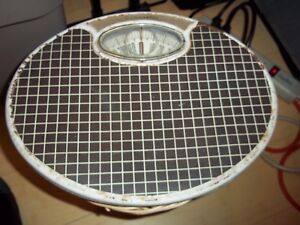 Vintage Counselor Oval Bathroom Scale 300 Lb Capacity Blk