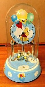 Disney-Winnie-the-Pooh-9-034-Clock-with-Porcelain-Base-Glass-Dome-Rotating-Pendulum
