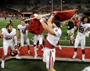 ec58ad568c9 Baker Mayfield Oklahoma Sooners Plants a Flag at Ohio State Photo ...