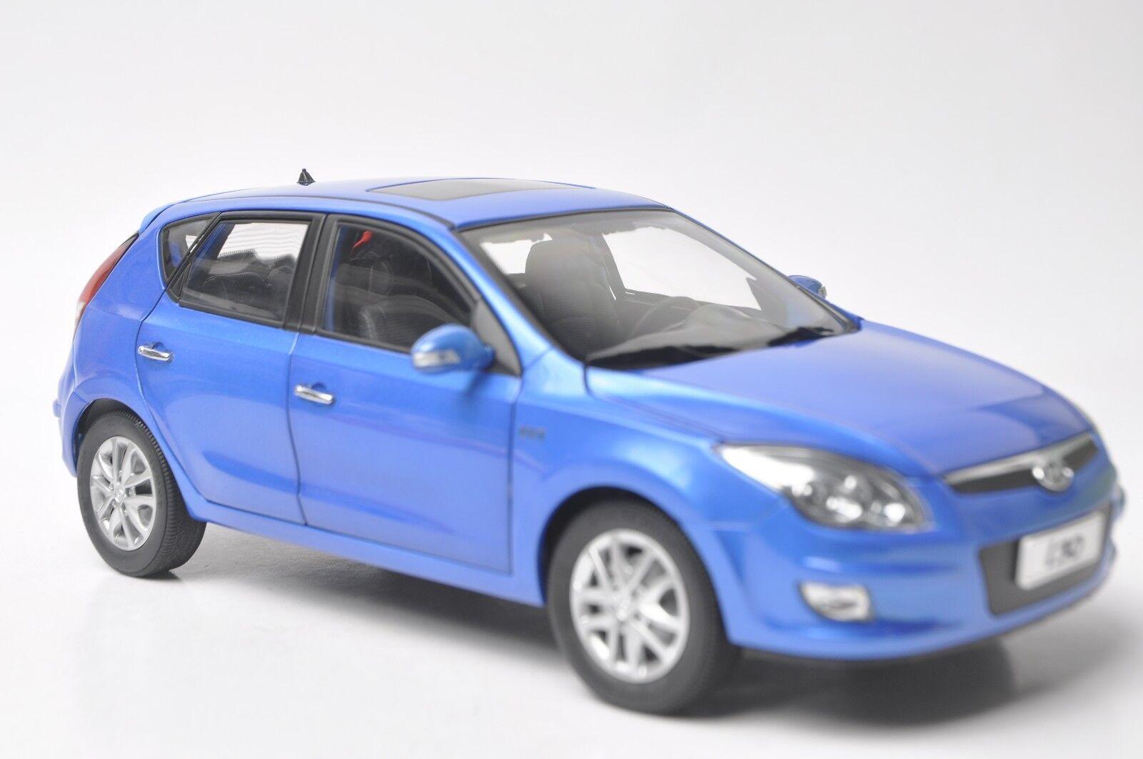 Hyundai i30 coche modelo en escala 1 18 18 18 Azul 47574e