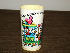 "VINTAGE 4"" HIGH WALT DISNEY WORLD MINNIE MICKEY MOUSE DONALD DUCK  PLASTIC CUP"