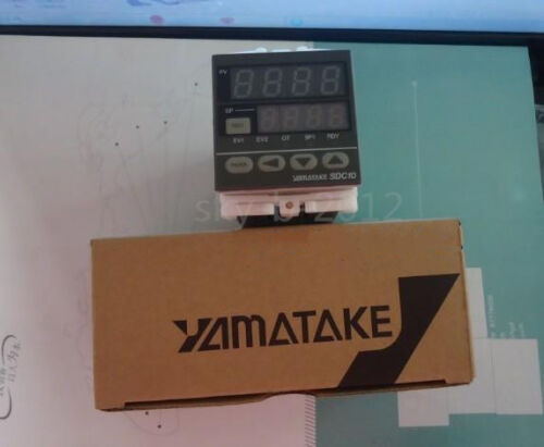 1 pcs new Yamatake thermostat SDC10 C10T6DTA0500