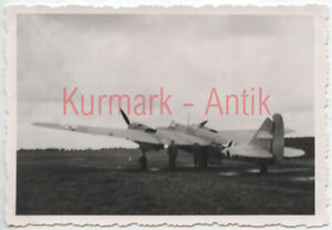 S155-Foto-Wehrmacht-Luftwaffe-Flugzeug-Beute-Russland-Bomber-SB2-Balkenkreuz-TOP