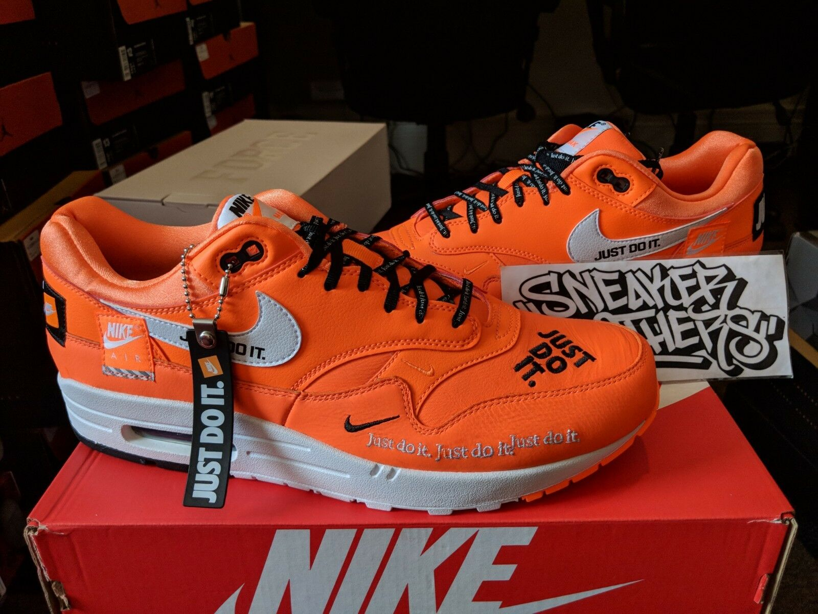 Nike Air Max 1 SE JDI Just Do It Total Men Orange White Black Running Men Total AO1021-800 fb196e