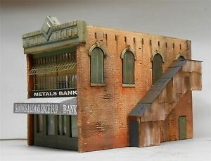 DOWNTOWN DECO N SCALE METALS BANK   BN   2013