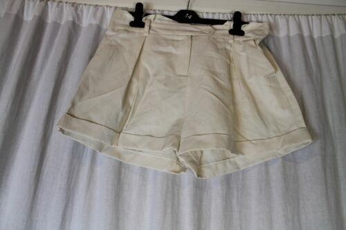 Ladies Cream Casual Shorts  Sizes 1014 16 RR29