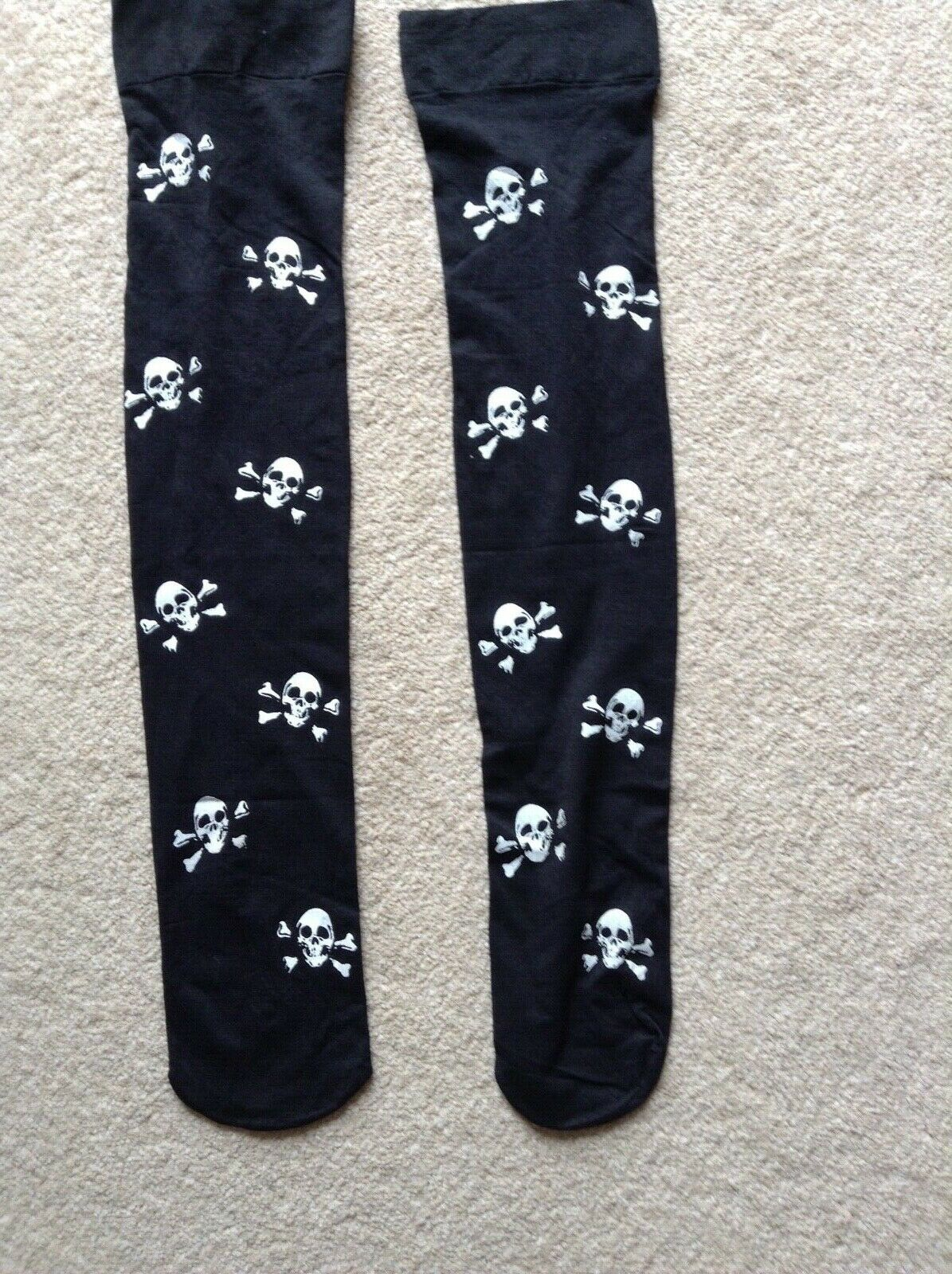 Halloween/Fancy Dress - Over the Knee Skull and Crossbones Socks