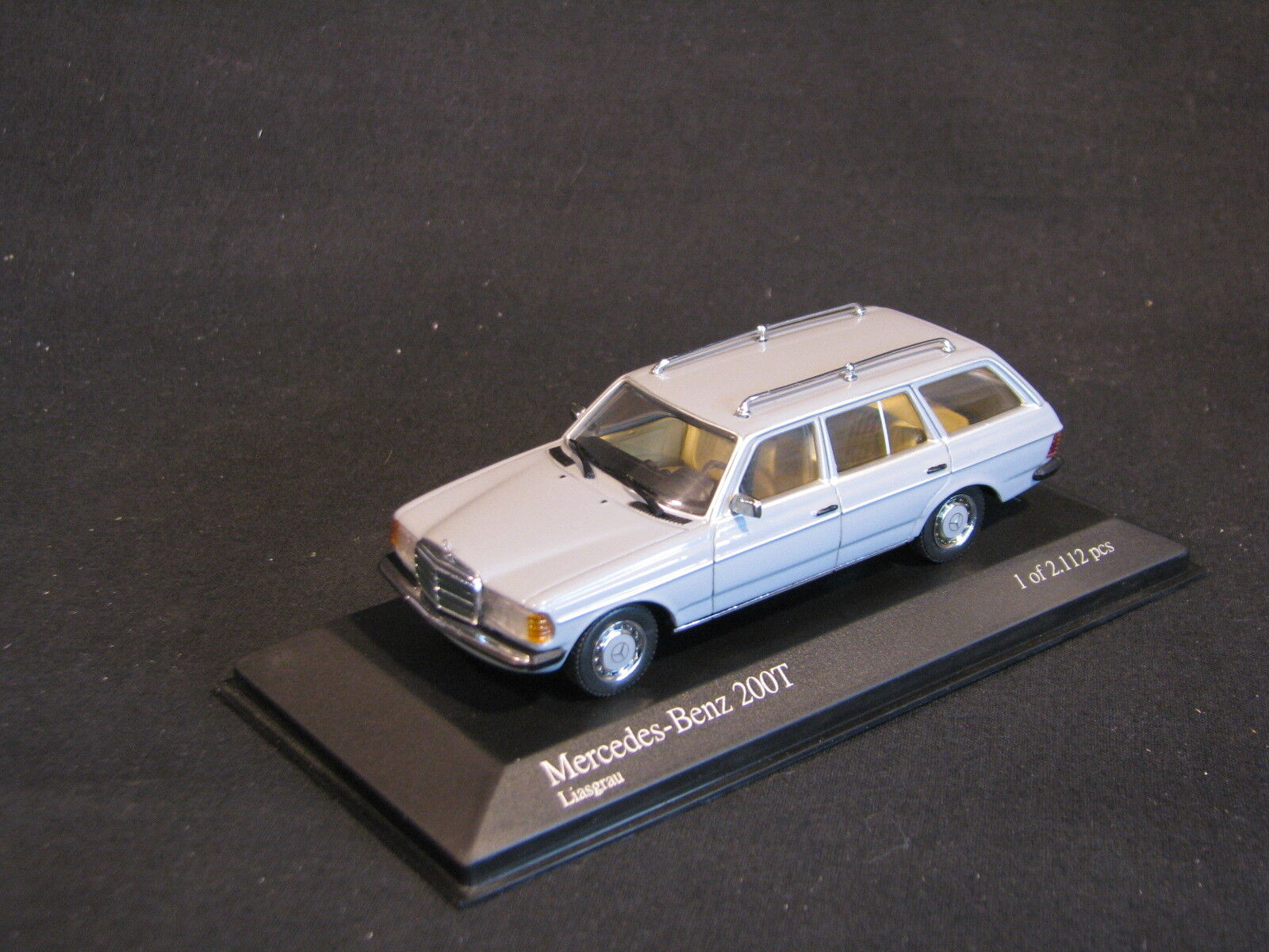 Minichamps Mercedes-Benz 200 T 1980 1:43 Grey (JS)