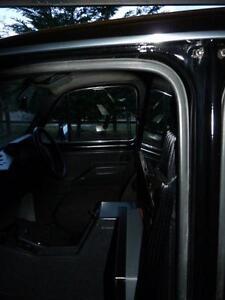 jhm2109-FX4-FAIRWAY-DRIVER-TAXI-FRONT-DOOR-SEAL-RUBBER-FL2-LONDON-STERLING-AUSTI