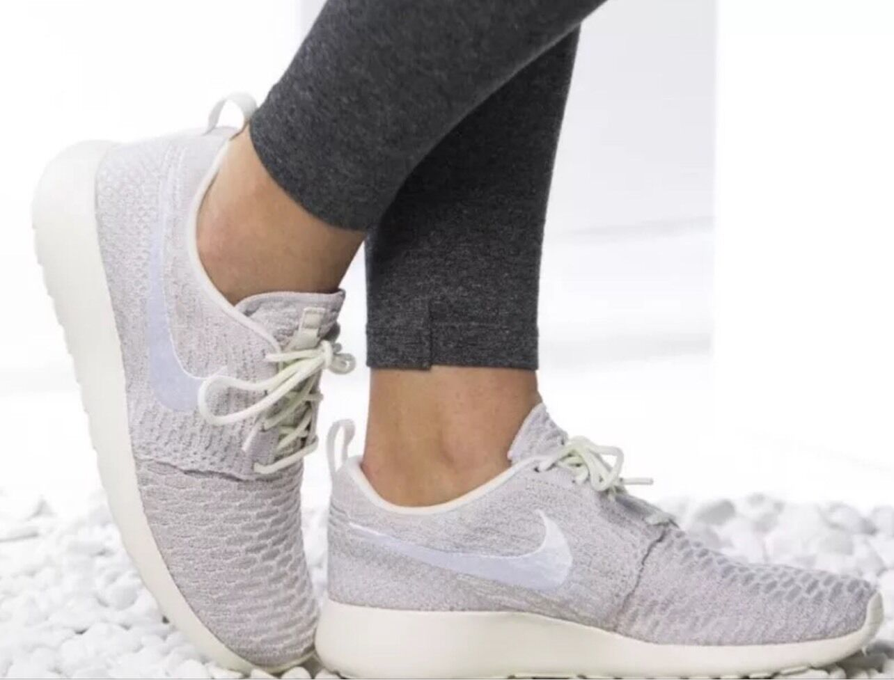 29ac6fcb3686 Nike Women s Roshe One Flyknit Shoes Size 12 Sail White String ...