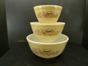 Pyrex Forest Fancies Nesting Mixing Bowls Set of 3