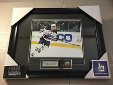 CONNOR McDAVID #97 Edmonton OILERS unsigned Frame 8x10 photo Cadre NHL SUPERSTAR