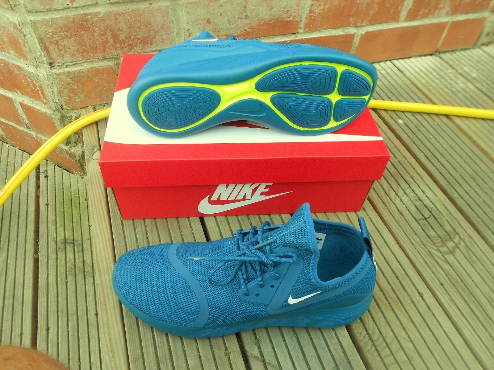 BNWB NIKE  LUNARCHARGE BR TRAINERS - UK Taille 10 - bleu