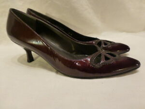 Weitzman Burgundy Patent Leather Classic Pump Kitten High Heel Womens Shoes 8.5N