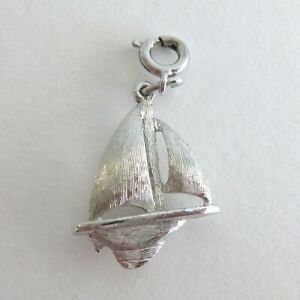 Monet-Costume-Jewelry-Silvertone-Sail-Boat-Nautical-Charm-Spring-Clasp-1-inch