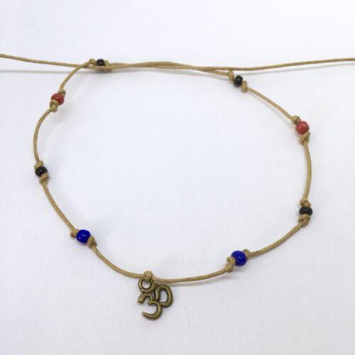 Tie en bronce Om Aum /& Azul Rojo Negro Pulsera de perlas India karmastring 45cm+