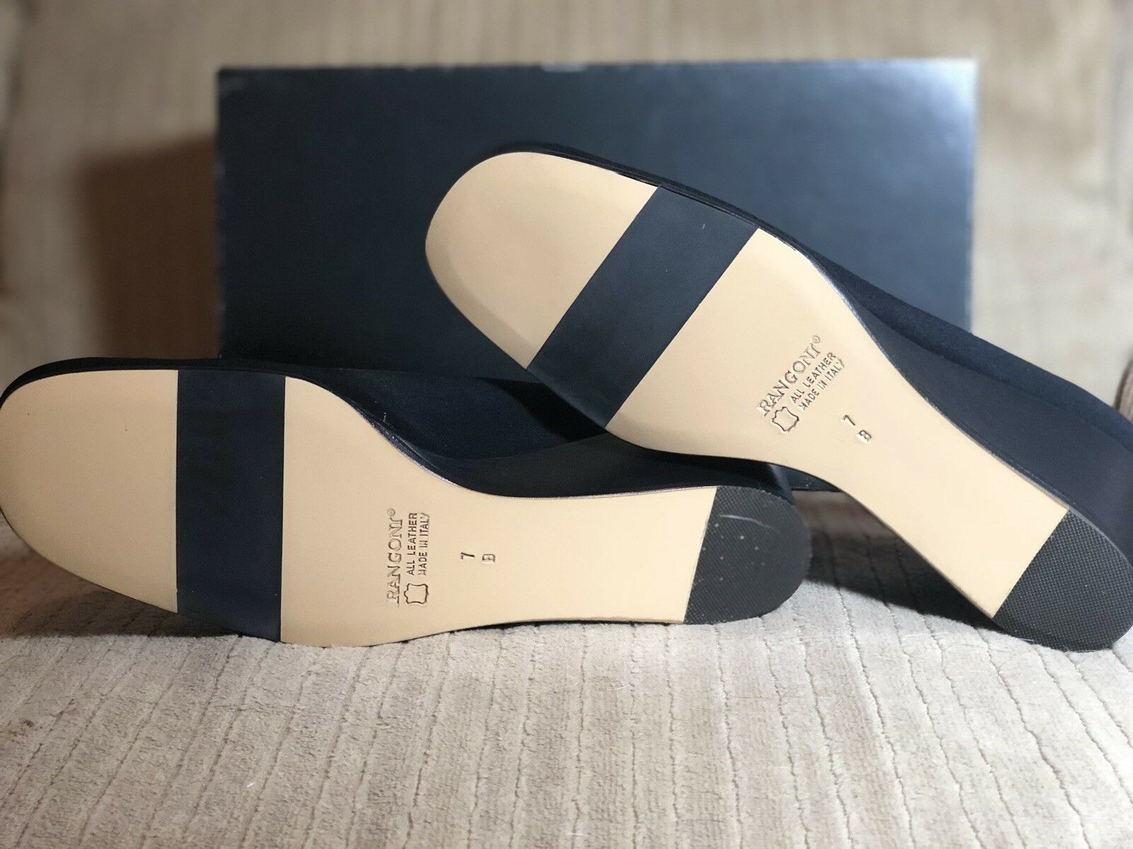 NIB- NIB- NIB- Rangoni Firenzi- Navy Peach Fabric- Wedge Pumps- Sz 7M b1566e