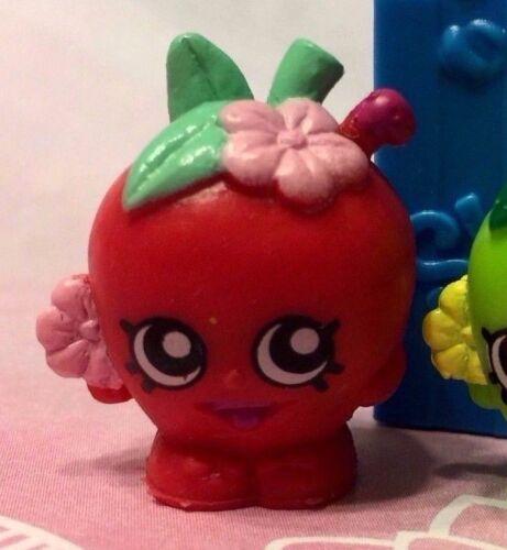 Shopkins Season 1 RARE Apple Blossom Red with Shopping Bag! ❤️ FREE Ship $25