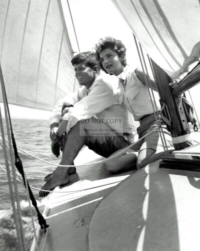 CC-127 JOHN F KENNEDY /& FIANCE JACQUELINE BOUVIER SAILING IN 1953  8X10 PHOTO