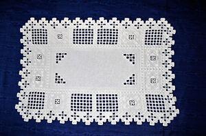 Handarbeit-reich-bestickte-getreppte-Decke-52-x-36-5-Gminder-Leinen-Perlgarn