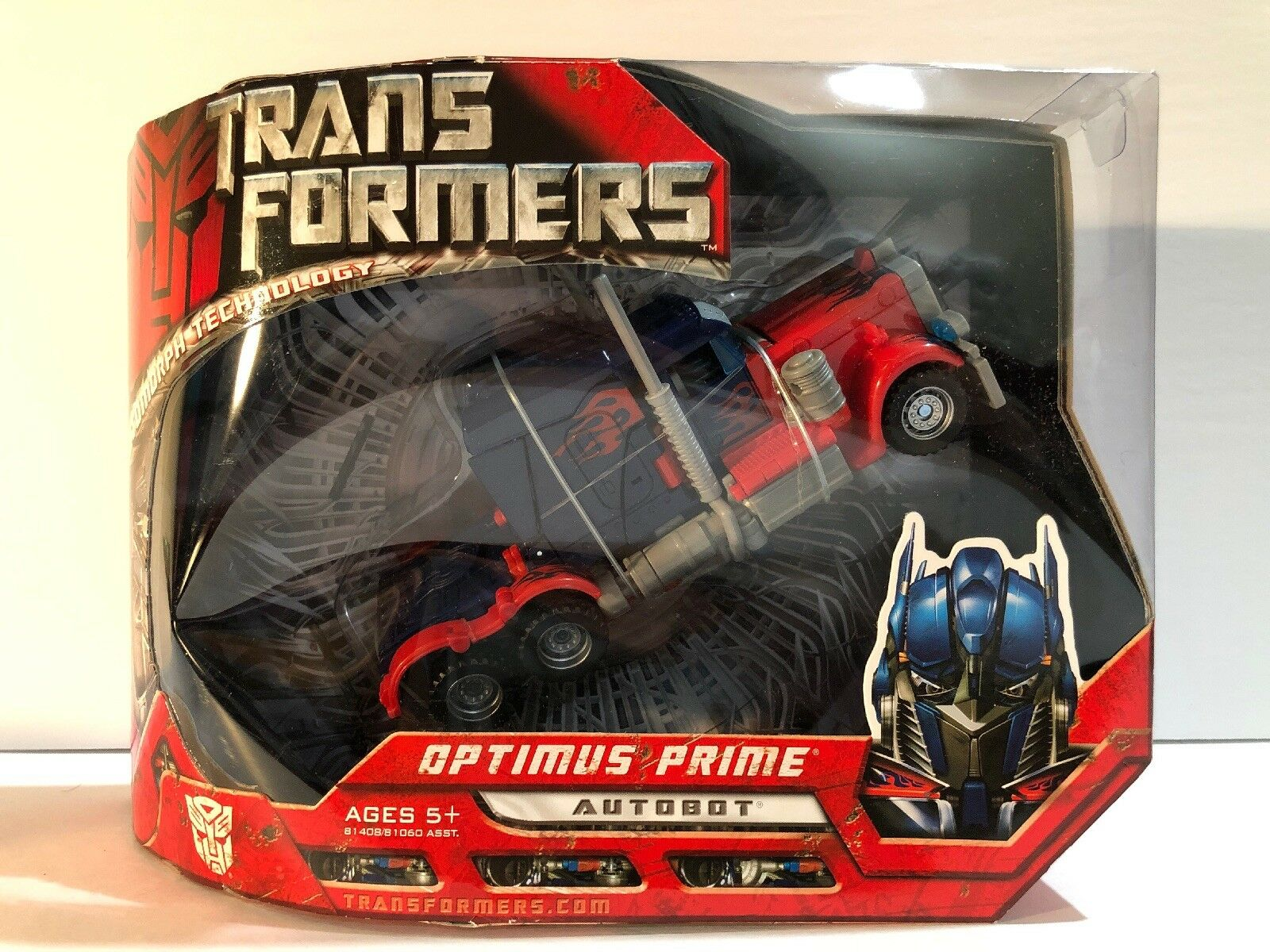 Hasbro Transformers Classic Voyager Optimus Prime Action Figure