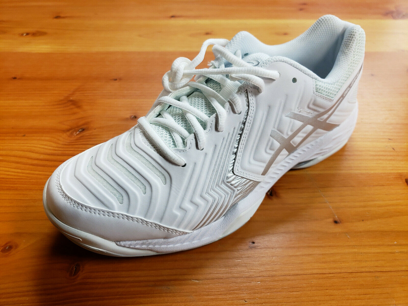 Women's Asics Gel-Game Gel-Game Gel-Game 6 Preowned Tennis shoes Size 9 9a4293