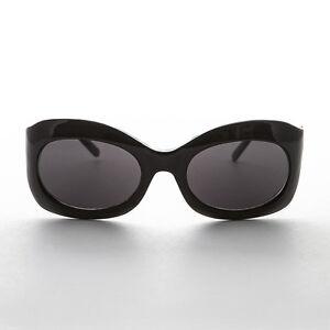 49a1c796891 Image is loading Oval-Bug-Eye-Vintage-Cocktail-Sunglasses-Black-Frame-