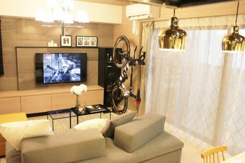 Upright Bike Rack Stand Floor Adjustable Bicycle Holder Carrier Mountain Bikes