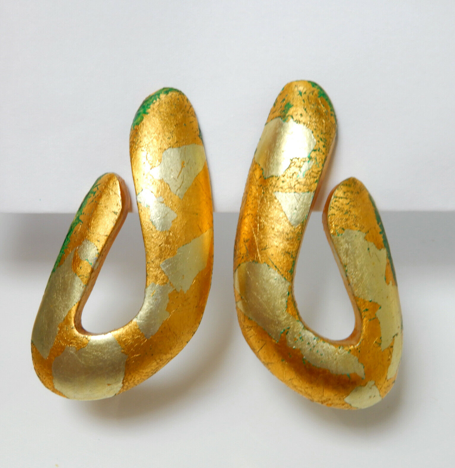 Vintage Gold Leaf Lucite Modernist Runway Clip on… - image 3