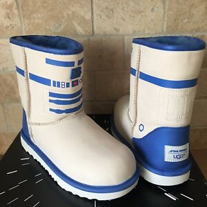 57af349bdfd Details about UGG Classic II R2-D2 Star Wars White Blue Short Boots Size US  5 Youth = Womens 7