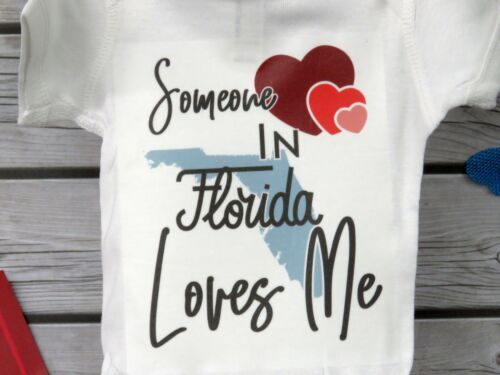 50 States Baby Announcement Gender Reveal Baby Bodysuit Somebody Loves Me