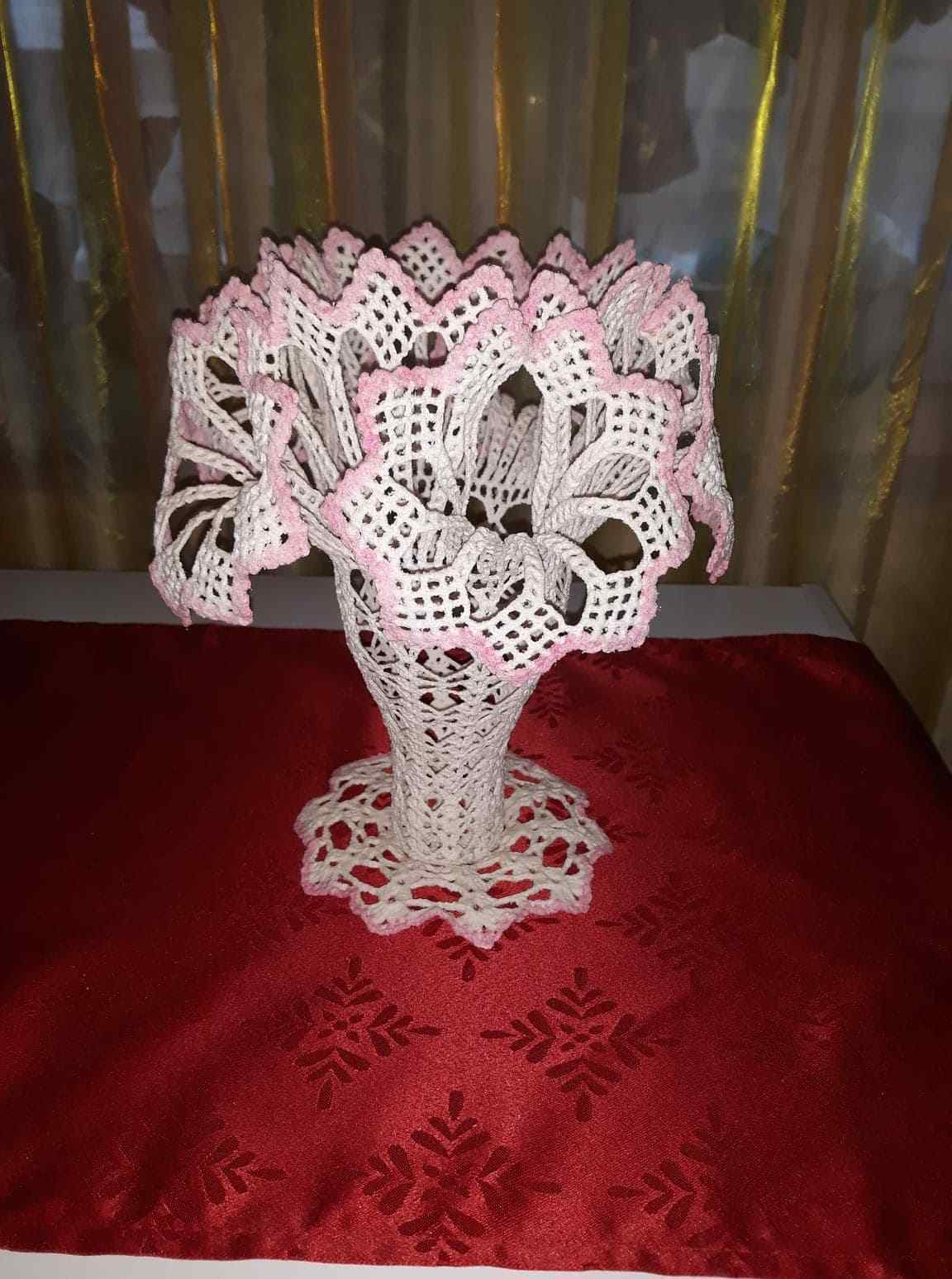 Vintage Style Royal Lily Lily Lily Craft Handmade Crochet Lace Vase 489210