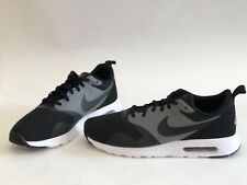 NIB MENS SIZE 13 NIKE AIR MAX TAVAS SE RUNNING SNEAKERS BLACK 718895-008