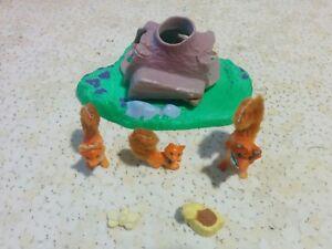 Vintage-Littlest-Pet-Shop-Mommy-Fox-With-Playful-Pups-Kenner-LPS-1996-COMPLETE