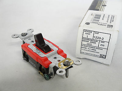 NEW IN BOX LEVITON 1223-2 3 WAY TOGGLE SWITCH 20 AMP 120//277V BROWN