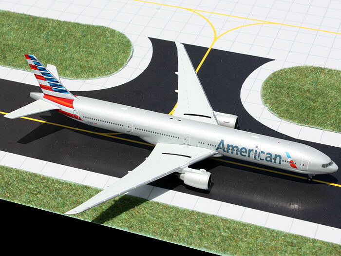 Gemini Jets GJAAL1279 American Airlines Boeing 777-300ER 1 400 Scale REG NN718AN