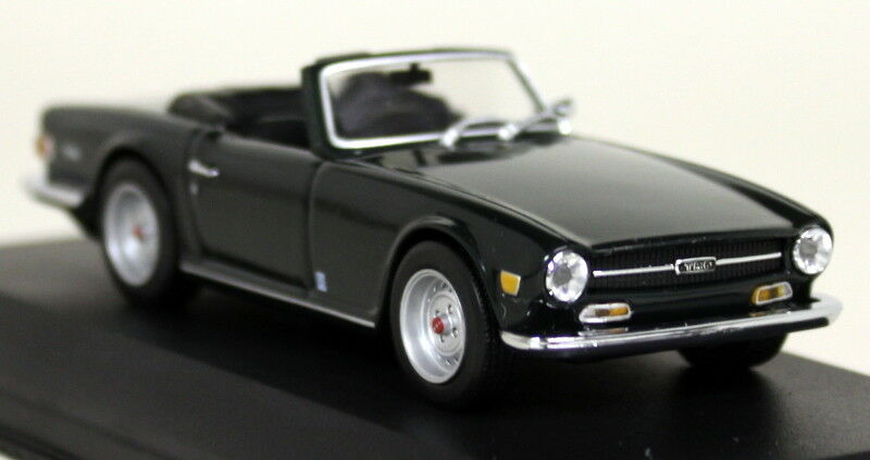 Minichamps 1 43 Scale 430 132571 Triumph TR6 Roadster 68 76 Racing Green Model
