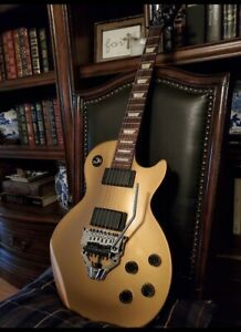 Gibson-Les-Paul-Gold-Top-with-Vintage-Tuners-2012-2013