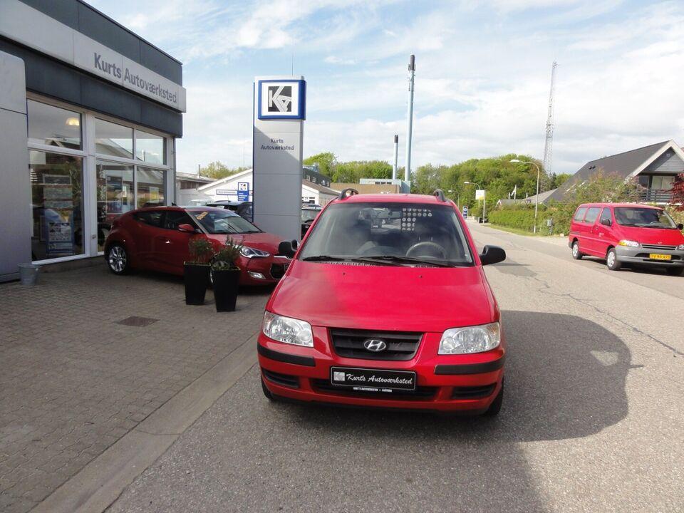 Hyundai Matrix 1,6 GL Van Benzin modelår 2004 Rød km 213000