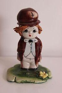 Petite-Statuette-Ceramique-Enfant-Poulbot-Signee-ZAMPIVA