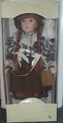 Bambola Di Raccolta-mostra Il Titolo Originale Distintivo Per Le Sue Proprietà Tradizionali