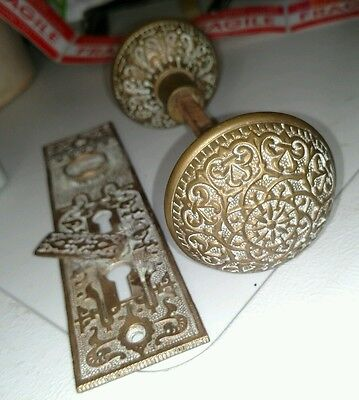 Antique vtg brass ornate door knob set w/ key plate rare unique