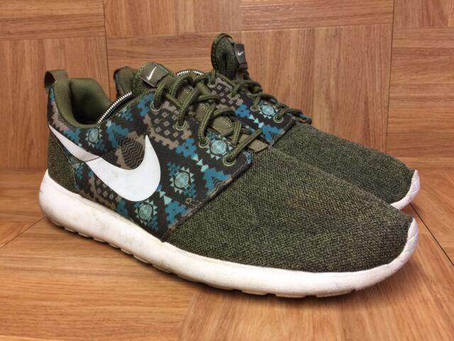 Size 9 - Nike Roshe Run Print Iguana