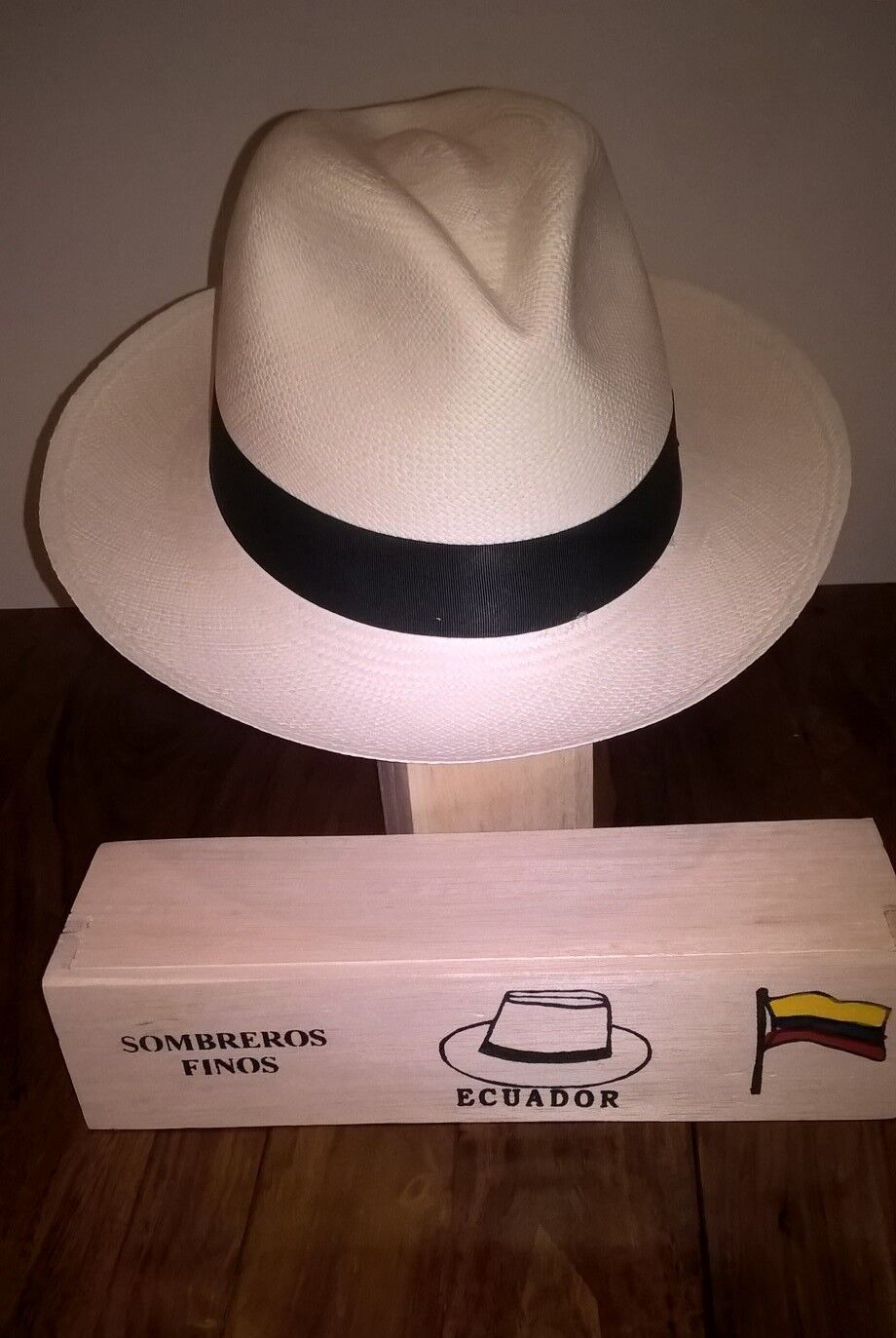 Genuine Hand Hand Hand Made Rollable Panama Hat from Cuenca with Balsa Wood Travel Box | Zuverlässige Leistung