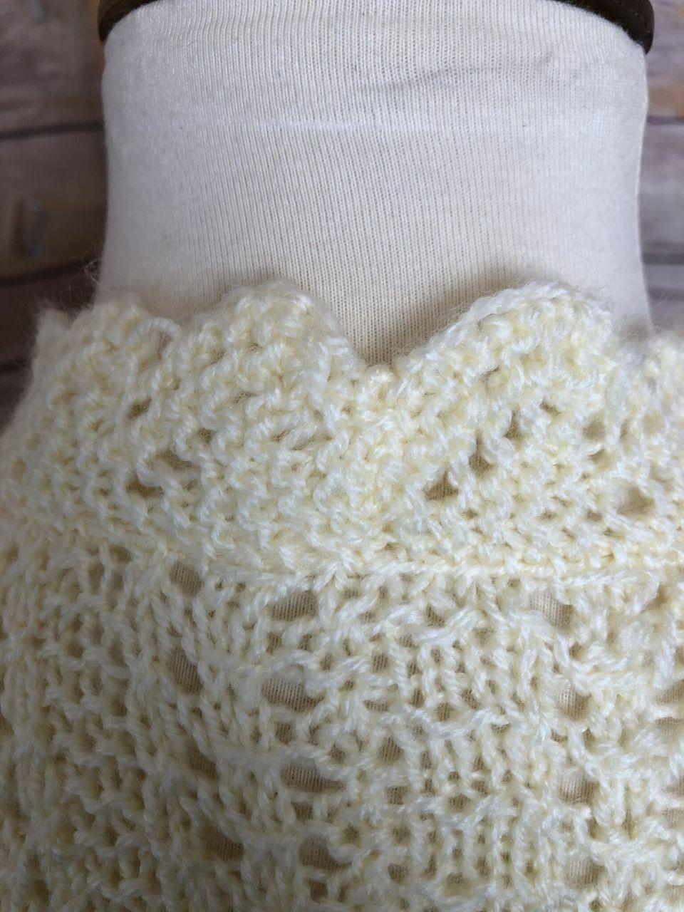 Vintage Womens Short Sleeve Hand Knit Sweater Cro… - image 8
