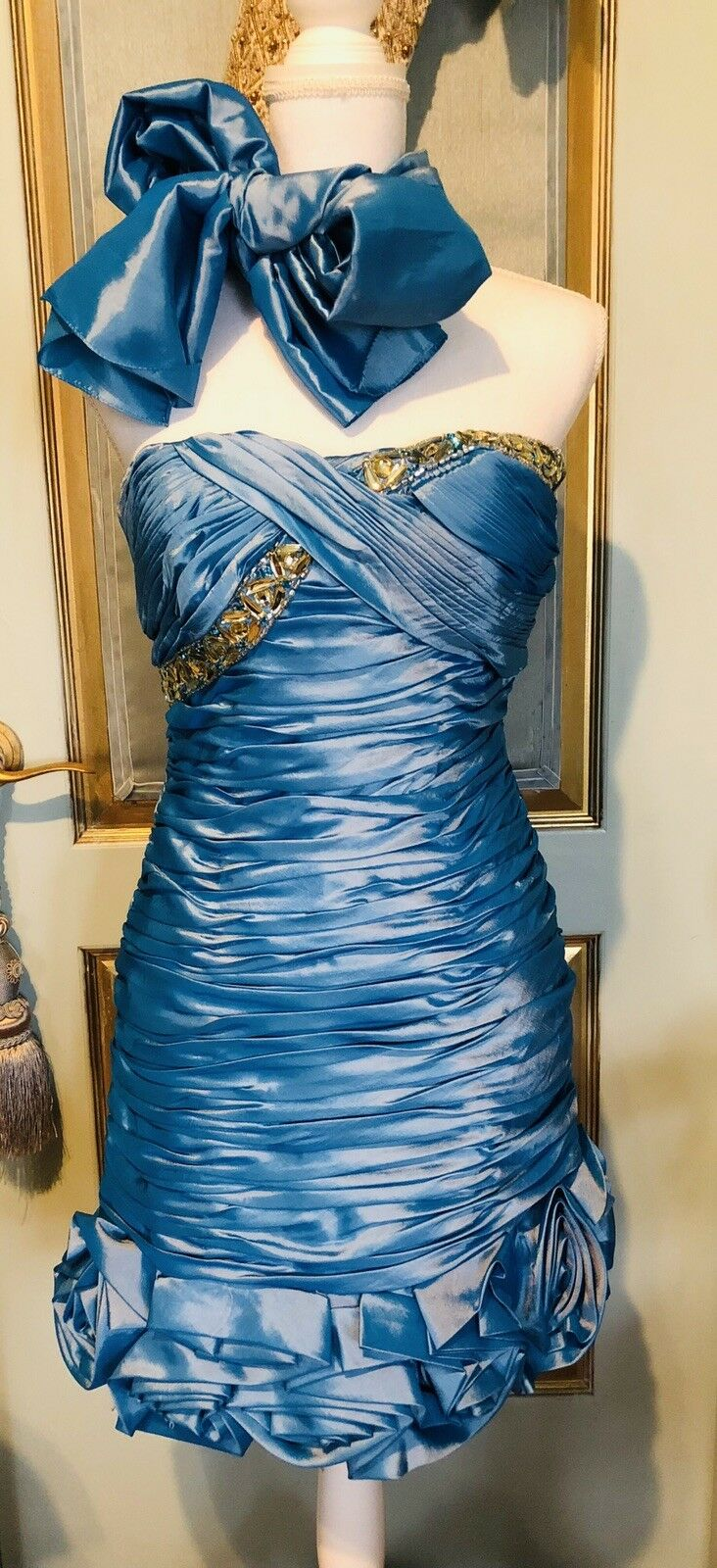 New Turquoise Embellished Evening Dress With Scarf Größe S